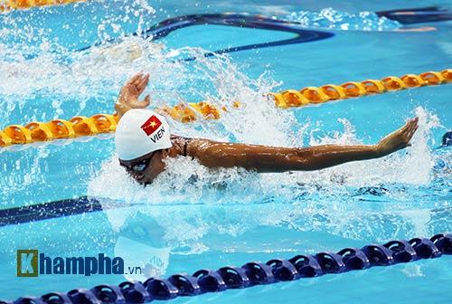 Ánh Viên xô đổ kỷ lục cá nhân bơi 400m ở giải thế giới - 2