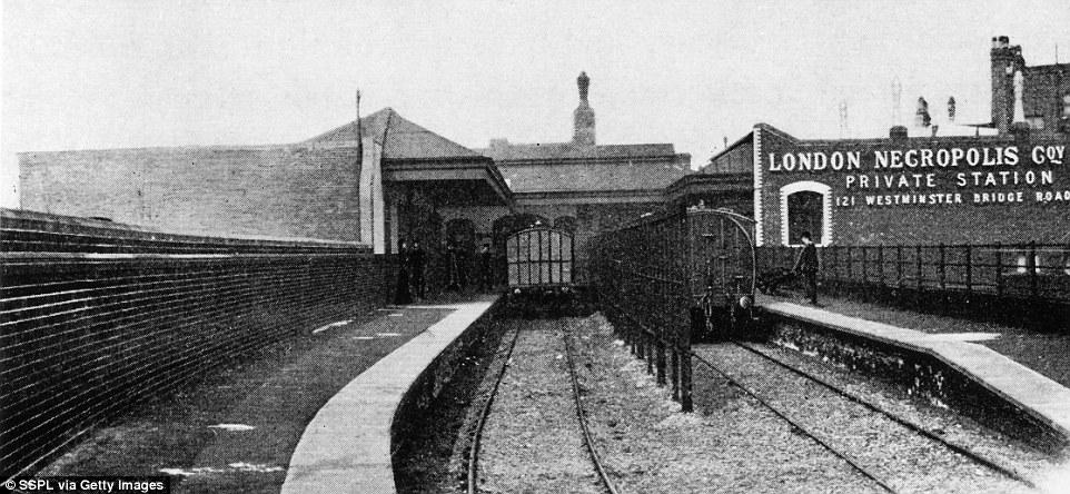 Tuyến đường sắt chở hơn 2.000 xác chết mỗi năm ở Anh - 2