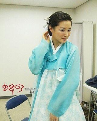 """Sự thật nhan sắc không tuổi của """"nàng Dae Jang Geum"""" - 2"""