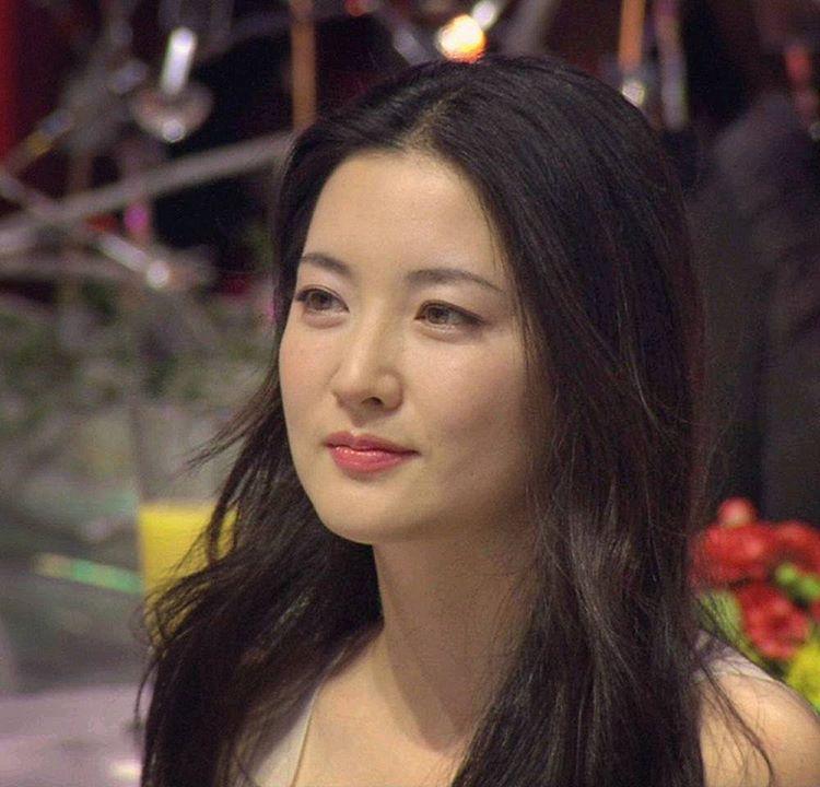 """Sự thật nhan sắc không tuổi của """"nàng Dae Jang Geum"""" - 1"""