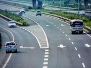 Tin tức trong ngày - Thót tim xem ô tô đi ngược chiều trên cao tốc Nội Bài-Lào Cai