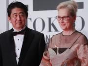 Khán giả ngỡ ngàng vì Thủ tướng Nhật tới thảm đỏ LHP