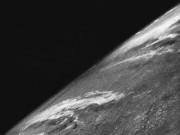 Bức ảnh đầu tiên chụp Trái đất từ…tên lửa 70 năm trước