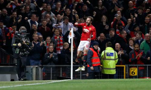 Đả bại Man City, Mourinho cúi đầu xin lỗi fan MU - 1