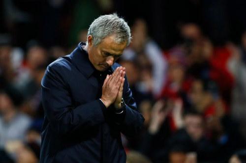 Đả bại Man City, Mourinho cúi đầu xin lỗi fan MU - 2