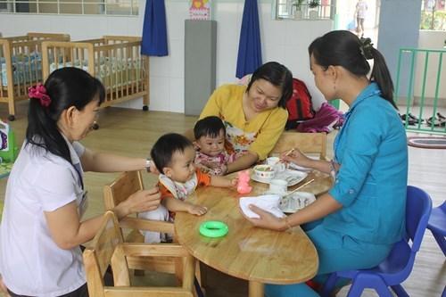 TP.HCM: Giáo viên mầm non giữ trẻ ngoài giờ chưa hề có khoản trợ cấp nào - 1