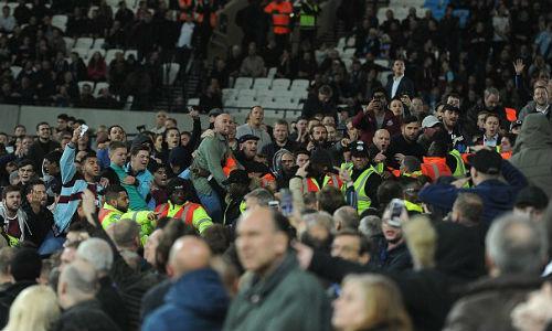 League Cup: Chelsea thua trận, fan ẩu đả kinh hoàng - 7