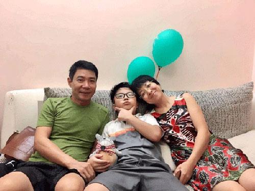 Xúc động khoảnh khắc đoàn tụ của sao Việt sau ly hôn - 1