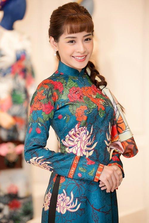 """Dàn mỹ nhân Việt """"đẹp quên lối về"""" với áo dài cách tân - 2"""