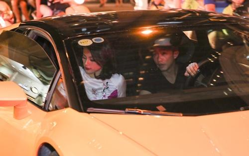 Cường đôla lái siêu xe đưa đón bạn gái sau tái hợp - 1