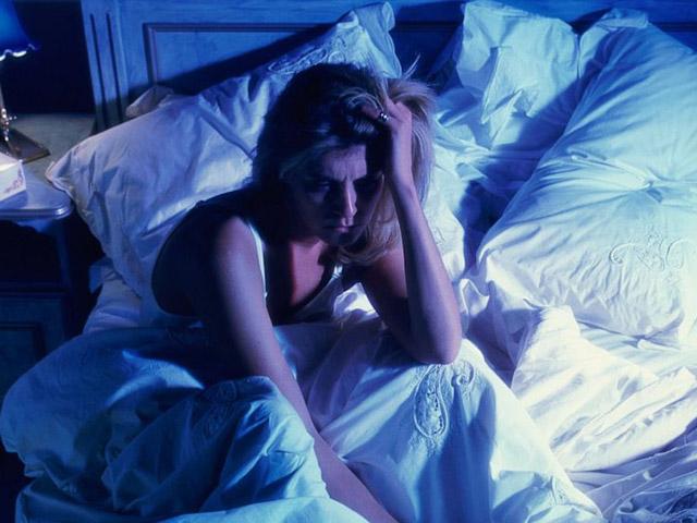 Mất ngủ ở phụ nữ sau 35: Muốn ngủ ngon nên chọn cây thuốc này - 1