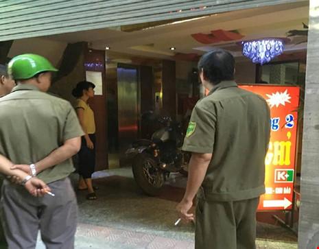 Hiện trường vụ nổ súng khiến 1 người chết tại Hà Nội - 6