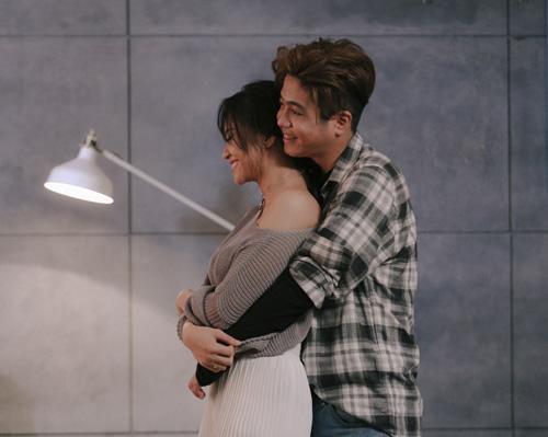 Bùi Anh Tuấn tình tứ bên cô gái lạ trong MV mới - 4