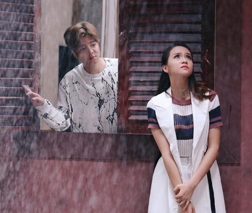 Bùi Anh Tuấn tình tứ bên cô gái lạ trong MV mới - 7