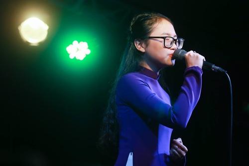 Phương Mỹ Chi da diết hát tặng đồng bào miền Trung - 1