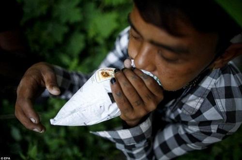 Kinh hoàng cách giảm đói của trẻ em nghèo Nepal - 6