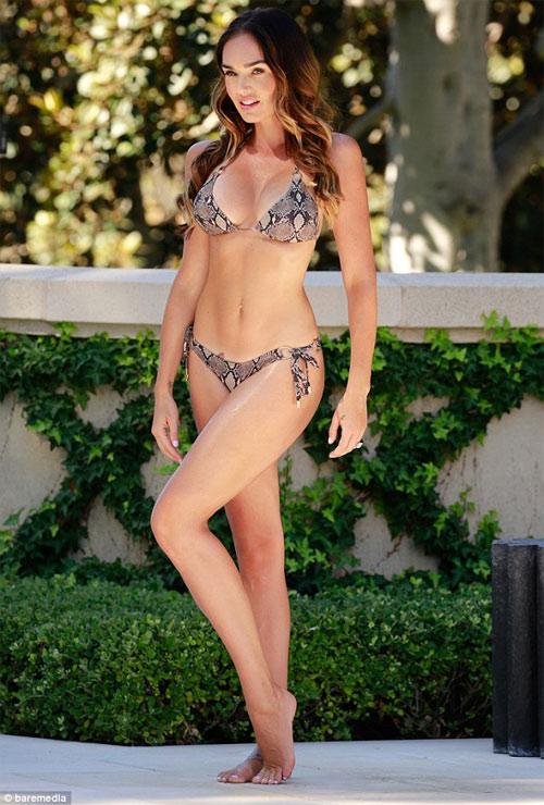 """""""Hồn bay phách lạc"""" với bikini sexy của ái nữ tỷ phú F1 - 14"""