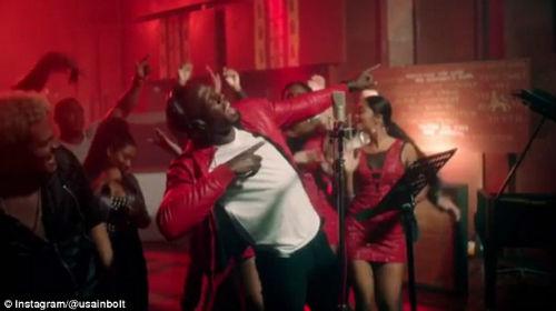Usain Bolt trổ tài ca hát khiến fan bất ngờ - 1