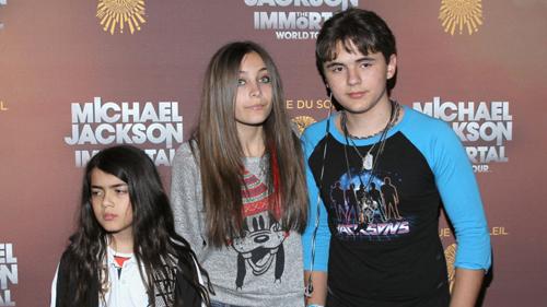 Cuộc sống bất thường của 3 con Michael Jackson - 4