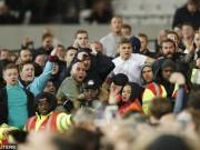 League Cup: Chelsea thua trận, fan ẩu đả kinh hoàng