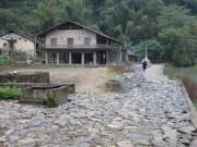 Câu chuyện đá ở làng Khuổi Kỵ