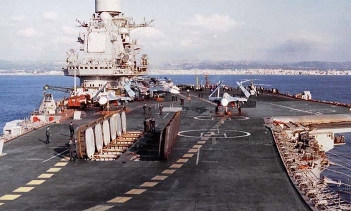 Hỏa lực tàu sân bay Nga đủ diệt cả nhóm tàu chiến Mỹ - 2