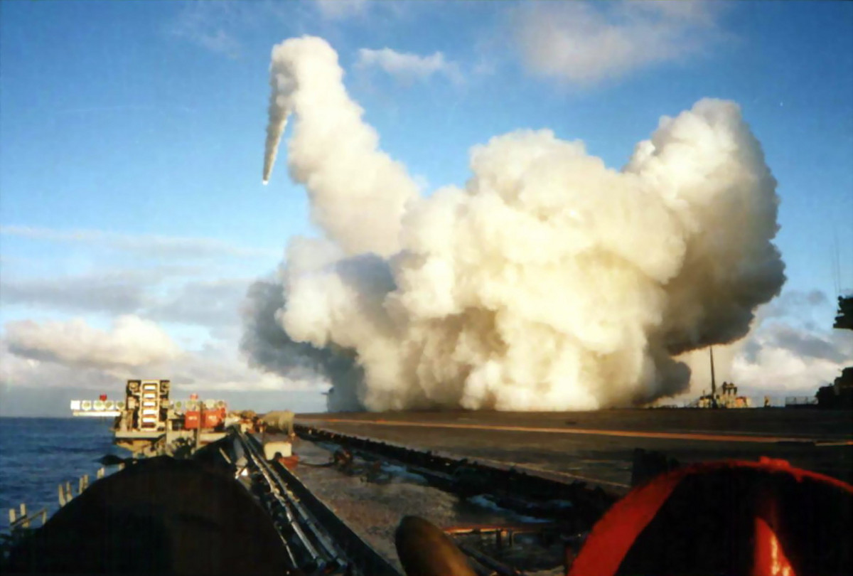 Hỏa lực tàu sân bay Nga đủ diệt cả nhóm tàu chiến Mỹ - 5