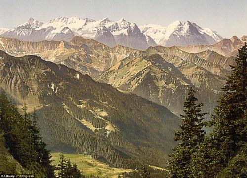 Cảnh đẹp và cuộc sống trên dãy Alps cách đây 100 năm - 1