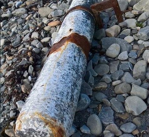 Ireland: Dạo bờ biển, phát hiện ống ma túy 5,4 triệu USD - 1