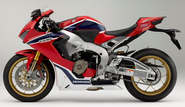 Theo hãng Honda, CBR1000RR SP 2017 là mẫu siêu mô tô nhẹ hơn, nhanh hơn và công nghệ cao hơn bất kỳ thành viên nào của dòng CBR trước đây.