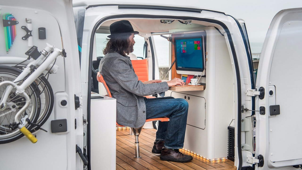 Nissan e-NV200 Workspace - Văn phòng di động cho người bận rộn - 4