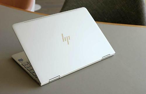 """HP Spectre X360: Laptop 2 trong 1 thiết kế đẹp, hiệu suất """"trâu"""" - 1"""