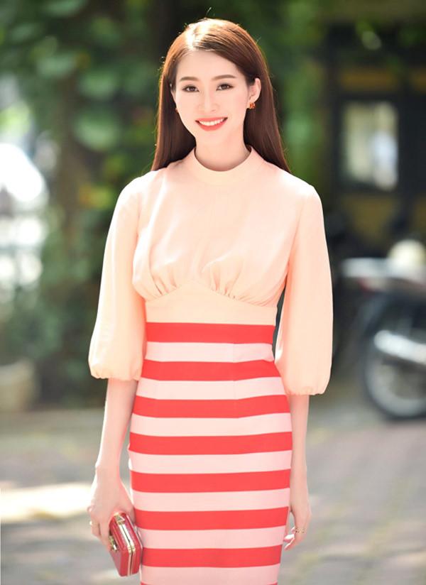 Váy áo xấu lạ của hoa - á hậu Việt khiến fan khó hiểu - 3