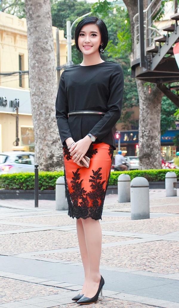 Váy áo xấu lạ của hoa - á hậu Việt khiến fan khó hiểu - 6