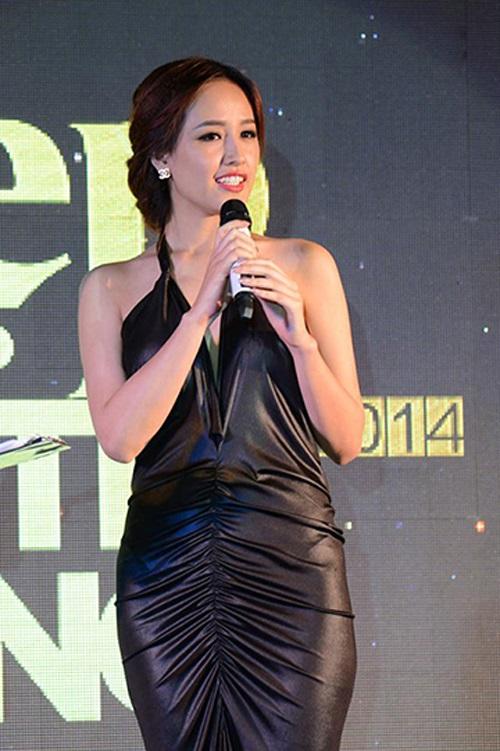 Váy áo xấu lạ của hoa - á hậu Việt khiến fan khó hiểu - 13