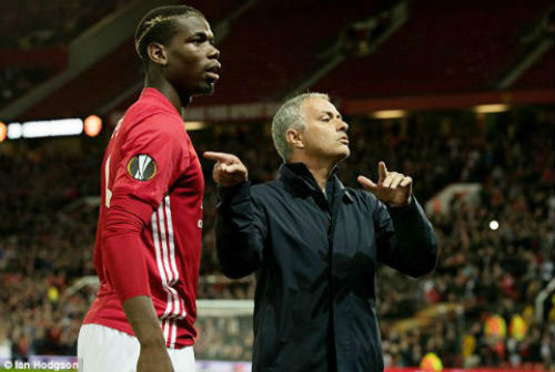 """Mourinho """"trảm"""" 3 hậu vệ, mua sao Đức 35 triệu bảng - 3"""