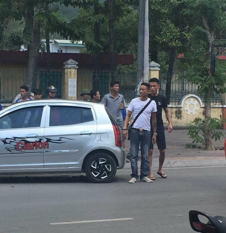 Diễn viên Hiệp Gà và vợ đang mang bầu bị tai nạn ô tô - 2