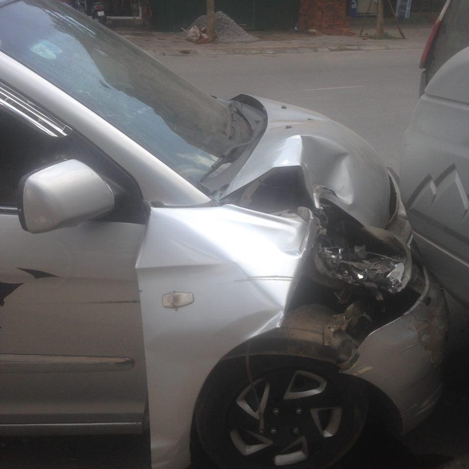 Diễn viên Hiệp Gà và vợ đang mang bầu bị tai nạn ô tô - 4