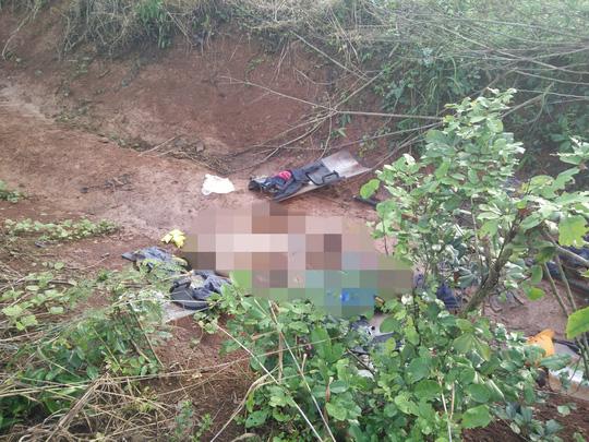 Nghi can trốn nã vụ nổ súng ở Đắk Nông giúp CA đẩy xe - 2