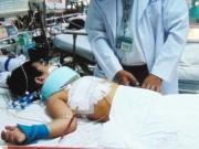 Tin tức trong ngày - Cứu sống bé trai bị thanh sắt đâm xuyên từ sau ra trước
