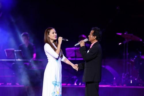 """MC Kỳ Duyên muốn làm vợ thứ 5 khiến Chế Linh """"đứng hình"""" trên sân khấu - 6"""