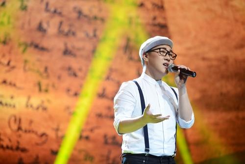 """Trung Quân Idol bị chê khi hát """"Tình ca"""" - 2"""