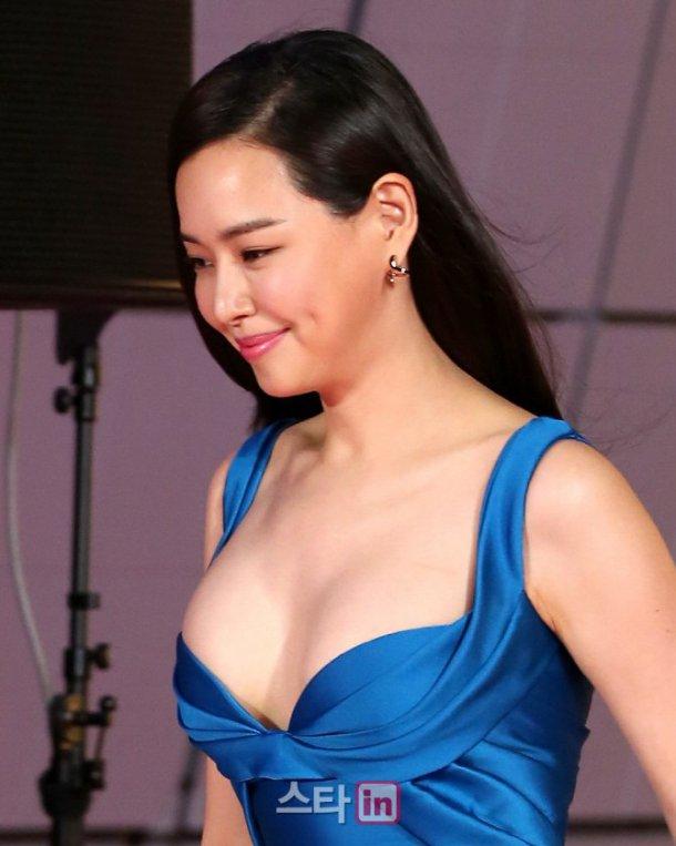 """Top 5 hoa hậu Hàn có """"trái cấm"""" đốt mắt nhất Hàn Quốc - 9"""