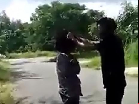 Vụ nữ sinh bị đánh, bắt liếm chân: Do mâu thuẫn tình cảm đồng giới - 1