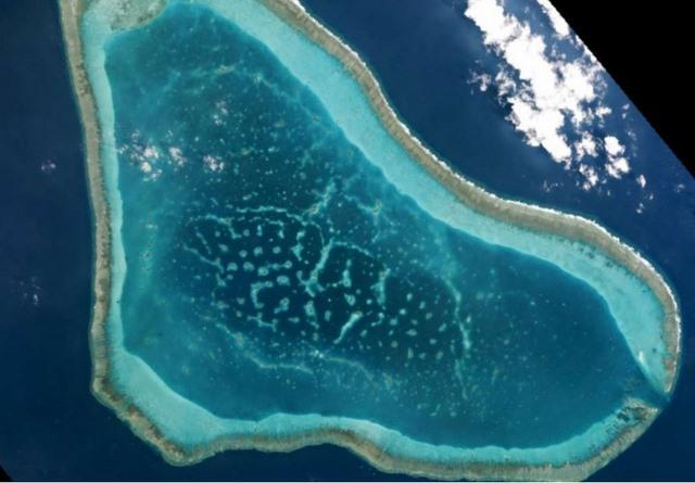 Philippines: Tàu TQ đã rời bãi cạn tranh chấp ở Biển Đông - 1