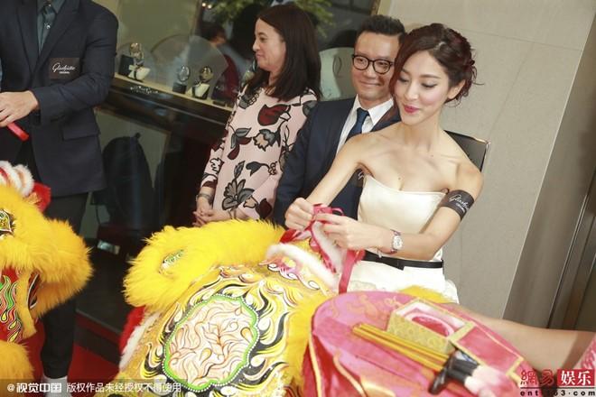 Bí mật về hoa hậu đóng cảnh bị làm nhục gây sốc Hong Kong - 4