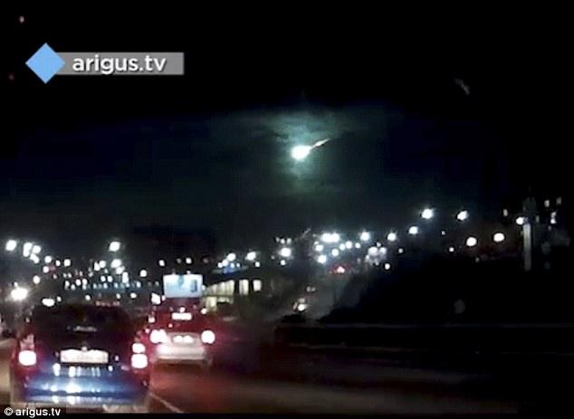 Quầng sáng xanh bí ẩn trên bầu trời Siberia - 1