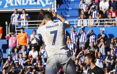 Chi tiết Alaves - Real Madrid: Hattrick cho Ronaldo (KT) - 4