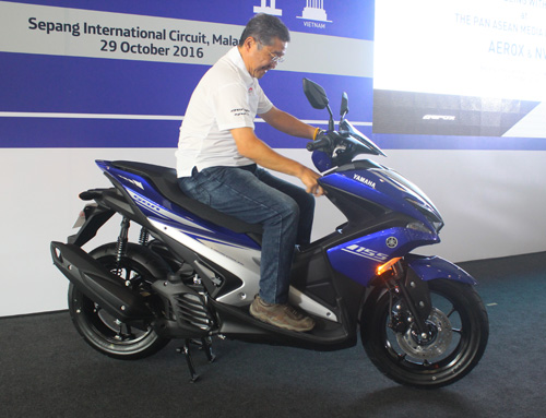 Yamaha NVX 2017 ra mắt ở Malaysia giá 46,5 triệu đồng - 3