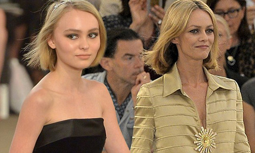 """Không ngờ """"cướp biển"""" Depp có con gái 17 tuổi quá đẹp - 5"""